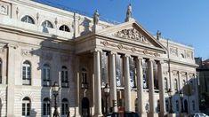 """O Teatro Nacional D. Maria II vai analisar """"Portugal em vias de extinção"""" num novo ciclo de espetáculos. O programa vai decorrer de janeiro a março. http://observador.pt/2018/01/05/teatro-d-maria-ii-analisa-portugal-em-vias-de-extincao-em-novo-ciclo-de-espetaculos/"""