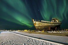 Spectacle of Northern lights over Höfrungi, Eyjólfur Matthíasson