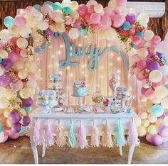 16 Balloon Garland Party Ideas - Pretty My Party - Party Ideas - - Balloons are the epitome of parties and we're loving the balloon garland trend right now. Check out these 16 Balloon Garland Party Ideas for your next party. 16 Balloons, Balloon Garland, Balloon Backdrop, Baby Shower Balloons, Ballon Arch Diy, Cake Table Backdrop, Balloon Balloon, Orange Balloons, Baby Shower Backdrop