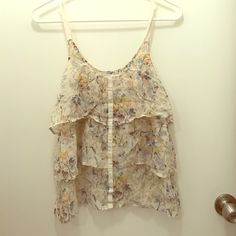 Madewell silk floral top Size: xs; Eliot by Madewell; 100% silk; tiered style Madewell Tops Tank Tops