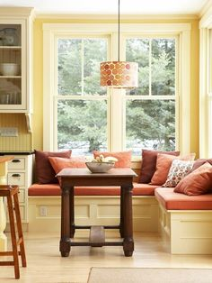 Would love a banquette like this in my dream kitchen/breakfast room.
