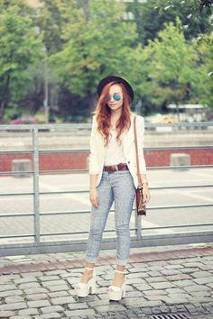 Shop this look on Kaleidoscope (blazer, jeans, sandals)  http://kalei.do/WzF7KvTbKGyrzBb0