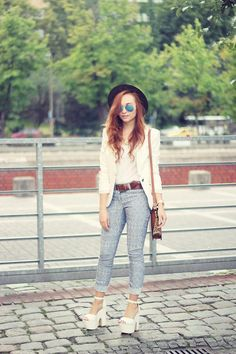 Shop this look on Kaleidoscope (blazer, jeans, sandals)  http://kalei.do/WzF7KvTbKGyrzBb0