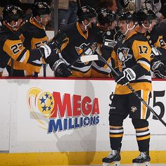 At the end of the 1st period, the #Pens lead 2-0. Pittsburgh goals from Blake Comeau and Evgeni Malkin.