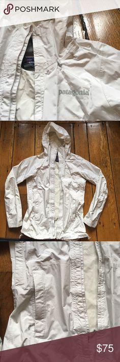 Patagonia XS rain jacket Barely worn white XS Patagonia rain jacket! In perfect condition Patagonia Jackets & Coats