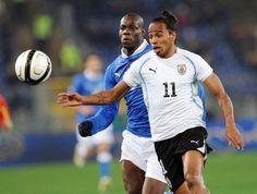 Chelsea could sign FC Porto defender Alvaro Pereira for £15 million