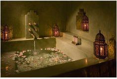 a dreamy bathtub with pink moroccan lanterns??? I'll take ten, thanks :)