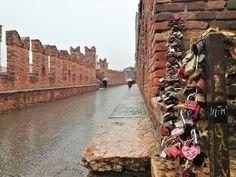 Visitare Verona: Guida Completa - ExpressYourTravel - Guide e articoli di viaggio Verona, Hiking Boots, Italy, Walking Boots, Walking Shoes
