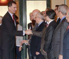 El príncipe Felipe cumple con su agenda oficial antes de celebrar el cumpleaños de la infanta Sofía