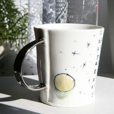 Hrnek (porcelán) Porcelain, Mugs, Tableware, Design, Porcelain Ceramics, Dinnerware, Tumblers, Tablewares, Mug