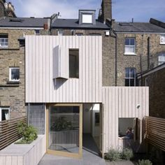 Hayhurst and Co. adds beach house-inspired extension to London residence. home architecture ourdoor living design kitchen interior design Extension Veranda, Brick Extension, Extension Google, Rear Extension, Architecture Design, Residential Architecture, Larch Cladding, House Cladding, Glazed Brick