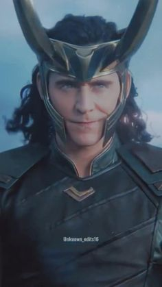 Loki Avengers, Marvel Avengers Movies, Loki Marvel, Marvel Characters, Thor, Marvel Comics, Loki Movie, Loki Aesthetic, Tom Hiddleston Loki