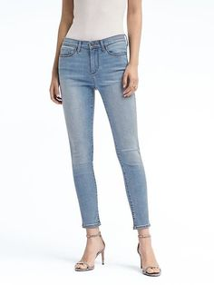 Sculpt Light Wash Skinny Ankle Jean