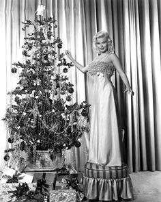 Jane Mansfield - Stunning. I wish I could have lived back then. Women were feminine and Gorgeous!