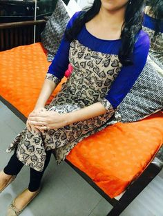 Salwar Neck Designs, Kurta Neck Design, Kurta Designs Women, Dress Neck Designs, Blouse Designs, Salwar Pattern, Kurta Patterns, Kurtha Designs, Kalamkari Designs