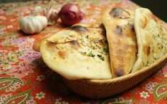 Easy Naan Good Food, Yummy Food, Yummy Recipes, Indian Food Recipes, Ethnic Recipes, Naan, Indian Dishes, Kitchenette, Bread Baking