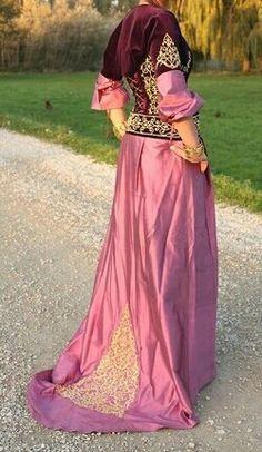 Algerian dresse