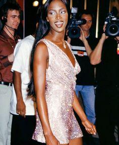 2c4f9e6bdb6f2f Les 72 meilleures images du tableau 90 s outfits sur Pinterest   90s ...