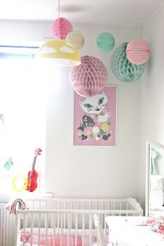 Deco Handmade: Pompoms y Guirnaldas Girl Nursery, Girls Bedroom, Nursery Decor, Room Decor, Deco Pastel, Pastel Paper, Baby Deco, Deco Kids, Big Girl Rooms