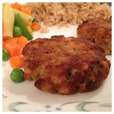 Quick & Easy Salmon (or tuna) Patties for a weeknight dinner.  Recipe