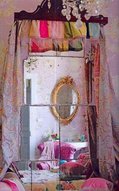 "I've always naturally been drawn to all things boho- lately I'm in to ""shabby chic"", but boho still has my heart. Diy Interior, Bohemian Interior, Interior Design, Interior Walls, Meas Vintage, Boho Vintage, Vintage Room, Bedroom Vintage, Indie Room"