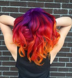 Hairstyles and Beauty: The Internet`s best hairstyles, fashion and makeup pics are here. Vivid Hair Color, Pretty Hair Color, Beautiful Hair Color, Hair Color Purple, Hair Dye Colors, Fire Hair Color, Flame Hair, Sunset Hair, Bright Hair