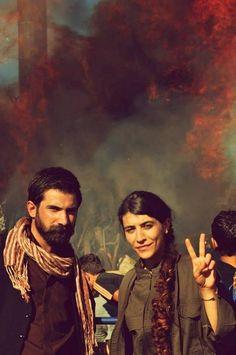 Kurdish women fighting for freedom <3 <3