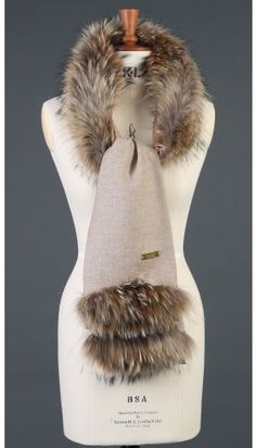 Shop fur scarves at Holland Cooper, the home of luxury British made clothing. Fall Fashion Outfits, Fur Fashion, Mode Outfits, Scarf Jewelry, Fabric Jewelry, Tweed Outfit, Fur Accessories, Diy Scarf, Made Clothing