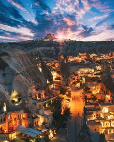 #Cappadocia nights  // Photography by Jennifer Melanie Tuffen (@Izkiz) • Instagram