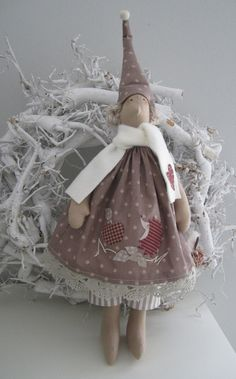 Weihnachtsdeko - Herbst/Winter- Wichtel im Landhausstil - ein Designerstück von Feinerlei bei DaWanda