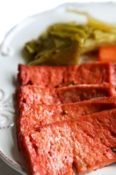 This vegan corned beef recipe will amaze you! Make it with your choice of tofu, tempeh or seitan to make a vegan Ruben, hash, or corned beef and cabbage. Vegan Corned Beef Recipe, Vegan Seitan Recipe, Corned Beef Recipes, Easy Meat Recipes, Vegetarian Recipes, Cooking Recipes, Corned Beef Sandwich, Corned Beef In Oven, Armenian Recipes