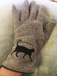 Catladyland: Cats are Funny: Triple T Studios Wool-Blend Gloves Are Cozy and Cute