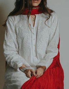 Most Popular Pakistani Fashion Casual Style Formal Wear Ideas Simple Pakistani Dresses, Pakistani Fashion Casual, Pakistani Dress Design, Pakistani Outfits, Indian Outfits, Kurti Pakistani, Pakistani Culture, Pakistani Clothing, Pakistani Bridal
