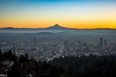 https://flic.kr/p/BxR21z   Please more sunrises like this   This was another item on my bucket list: Sunrise from Pittock Mansion. It was a very cold morning with 21 F (-6 C) but my happiness was stronger than the weather. This spot is very famous at Portland and you have to share the space with dozen of photographers and people who love sunsets and sunrises, like me.
