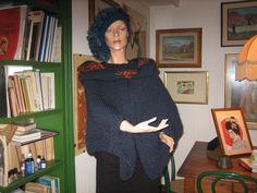 poncio e cappello in lana fatto a mano