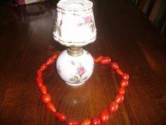 """Concorso Galleria del Sapore Cirio. """"Una collana di pomodori per adornare  una lampada ad olio regalatami da mia nonna più di vent'anni fa.E' un oggetto per me carissimo."""" Livia. Partecipa anche tu: http://www.cirio.it/concorso-galleria-del-sapore!"""
