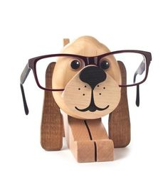 Natural Puppy Dog Wooden Eyeglass Holder German Figurine is perfect for cat lovers. Wood Projects, Woodworking Projects, Wooden Speakers, Sunglasses Storage, Wood Cat, Wood Carving Art, Eyeglass Holder, Glass Holders, Wood Creations