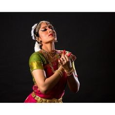 At the forefront of the new generation of Bharatanatyam dancers, Nadanamamani Dr. Janaki Rangarajan represents the future of the ancient art form Indian Arts And Crafts, Indian Classical Dance, Silhouette Art, Dance Photography, Ancient Art, Dancers, Portraits, Photoshoot, Culture
