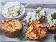 Baked Potato, Chili, Potatoes, Baking, Ethnic Recipes, Food, Chile, Potato, Bakken