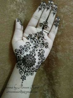 Could Easily Do This With Henna, Looks Very Complex, But Just Has Alot Of Swirls(: