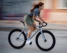 Cycling Tips, Road Cycling, Fixed Gear Girl, Fixed Gear Bicycle, Bicycle Accessories, Outdoor Woman, Celebrities, Engin, Experience