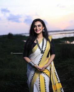 Set Saree, Bengali Bridal Makeup, Star Magic, Indian Fashion Dresses, Malayalam Actress, Saree Look, Free Hair, Indian Sarees, Indian Beauty