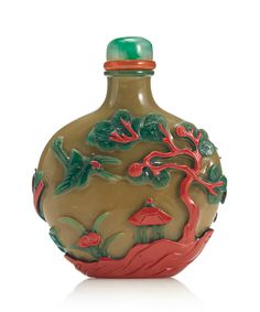 A 'Yangzhou' three-color overlay glass snuff bottle, Qing dynasty, 19th century