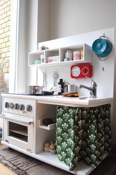 diy play kitchens are so much cuter than store bought ones! they have so much more character.
