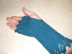 Free Knitting Pattern - Fingerless Gloves & Mitts: Garter Lace Mittens