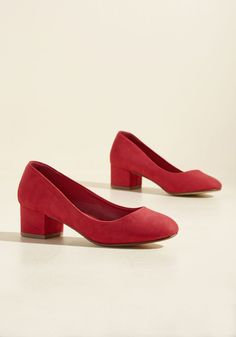 Afternoon Meeting Magic Block Heel. Though your colleagues arrive to the brainstorm sleepy from lunch, you make a powerful entrance with these red block heels. #red #modcloth