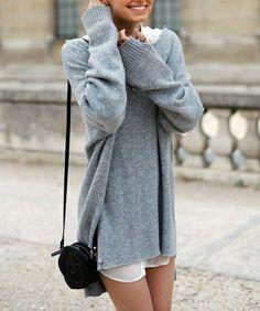 pulloverkleid. ich seh darin aus wie in einem kartoffelsack. doch für sie ist ein übergroßer pullover wie geschaffen. warum?