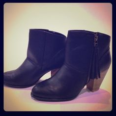 """Quip mid Black Fringe Booties Black Fringe Booties. Side zip. Rounded toe box. 3.25"""" rustic faux wood chunky heel.  trades PP.   posh rules only Qupid Shoes Ankle Boots & Booties"""