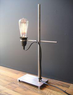 Light: Nice potential for a DIY project. Edison Lighting, Industrial Lighting, Interior Lighting, Lighting Ideas, Pendant Lighting, Light Art, Lamp Light, Lamp Ideas, Decor Ideas