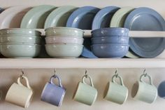 Plate Storage Racks Kitchens New How to Store Everything In the Kitchen Kitchen Utensil Storage, Plate Storage, Kitchen Utensils, Kitchen Counters, Kitchen Cabinets, Home Organization Hacks, Storage Hacks, Kitchen Organization, Organizing Ideas